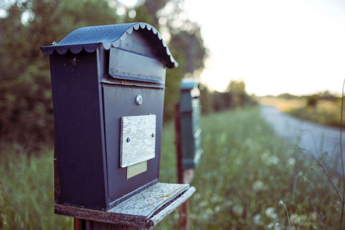 Postlåda i naturen