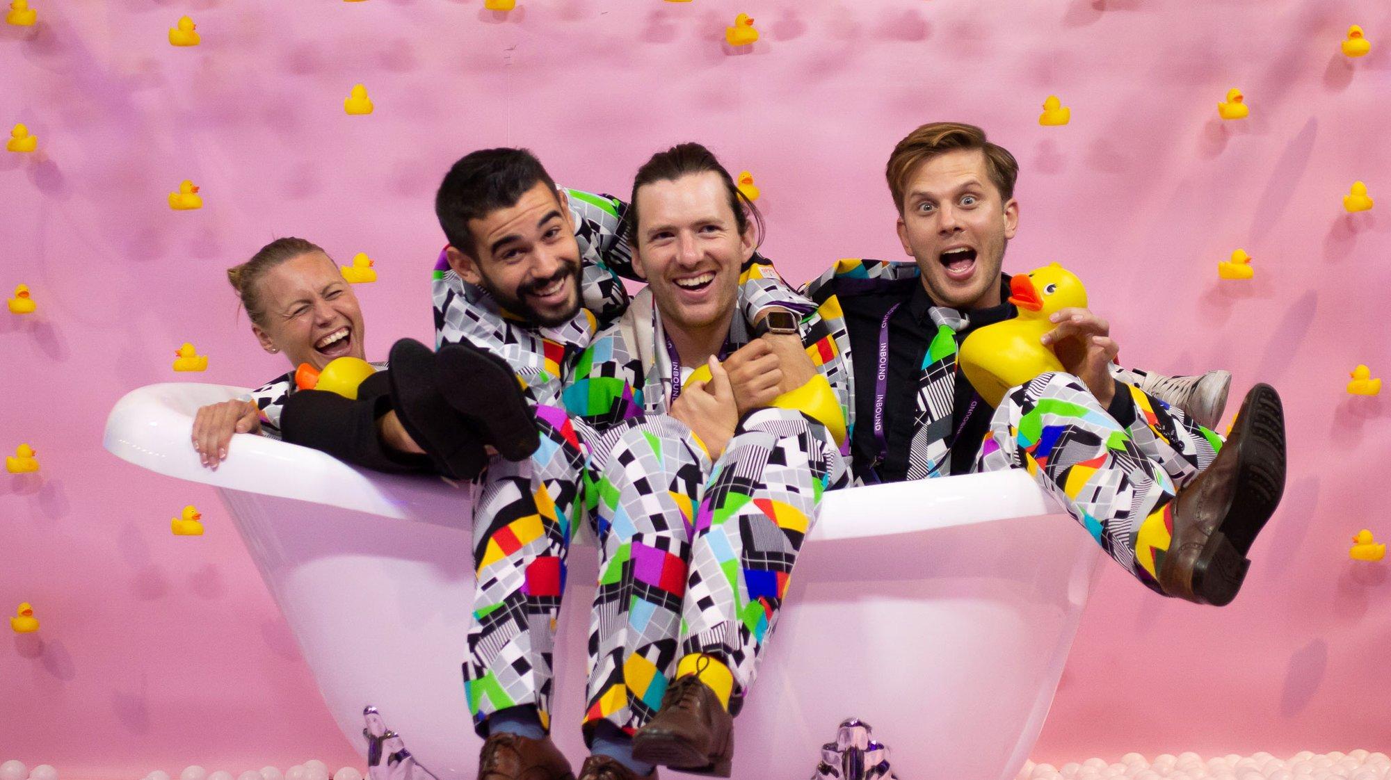 Happy GetAccepters in a bathtub at Inbound18